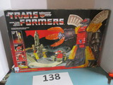 Transformers Autobot Defense base Omega Supreme