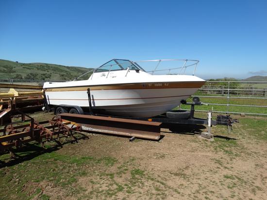 Trailer w/ Boat