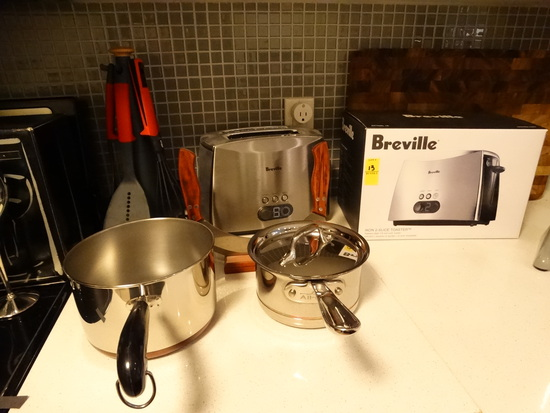 CONTENTS OF KITCHEN - Breville Toaster