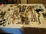 Costume Jewelry - Mixed pieces