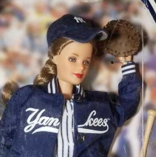 NEW YORK YANKEES Barbie
