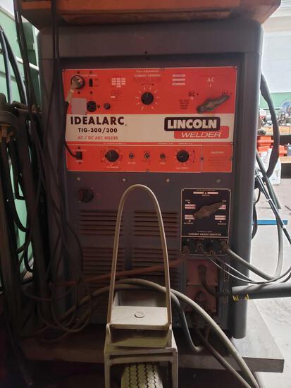 LINCOLN Tig-300/300 Welder