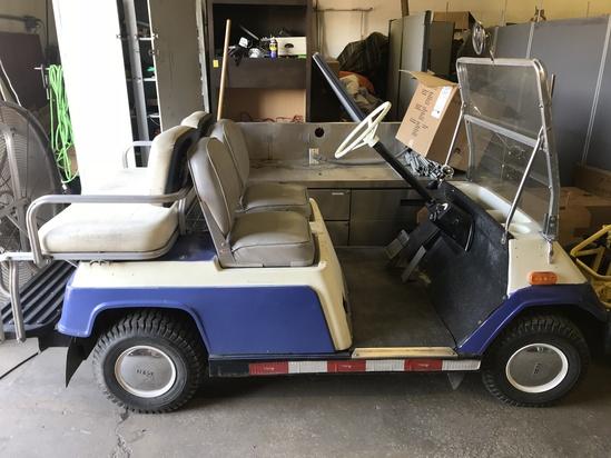 Yamaha 4 Seater Gas Golf Cart - Runs Great (lot 4)