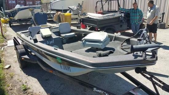 2014 Bumble Bee Nice Boat ready to fish