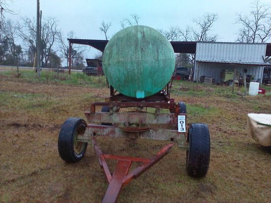500 GAL WATER TANK WITH TRAILER AND PUMP