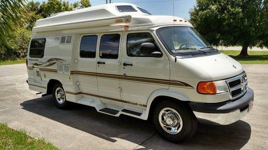2001 Dodge 3500 Pleasure Way Van