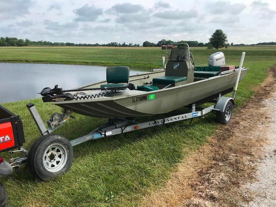 Crestliner Aluminum Center Console fishing boat with Honda 50 Four Stroke with Trolling Motor with