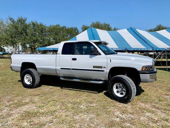 2001 Dodge Ram 2500 3/4 Ton 4x4 Pickup