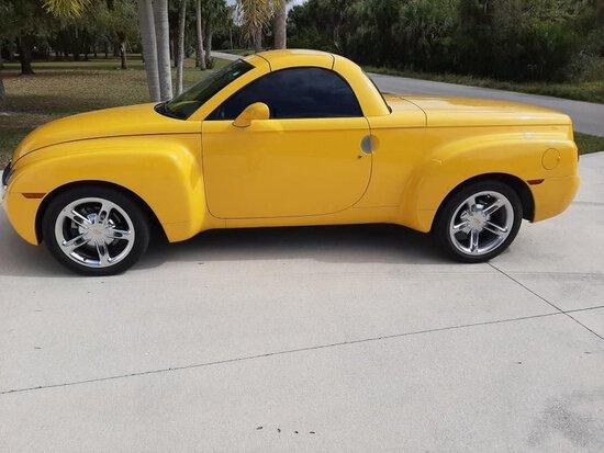 2004 Chevrolet SSR Pickup Roadster