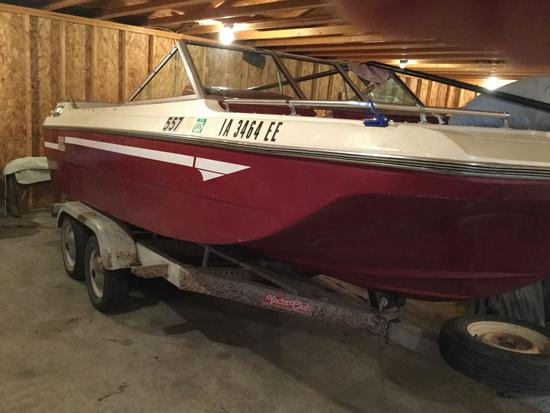 1977 18ft Mark Twain Boat