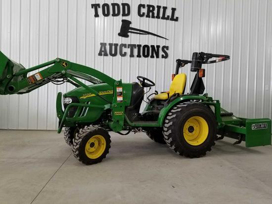 John Deere 2720 4WD Utility Tractor with Loader
