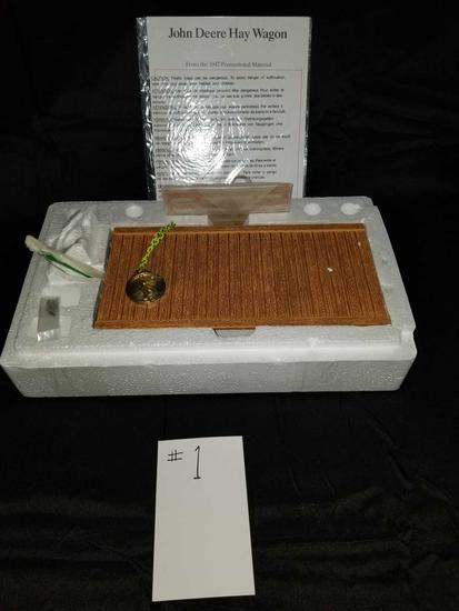 THE JOHN DEERE HAY WAGON PRECISION CLASSIC 1/16 SCALE NO 15134 NIB