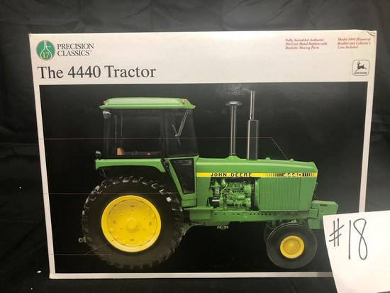 THE 4440 TRACTOR PRECISION CLASSICS 1/16 SCALE NO. 15077 NIB
