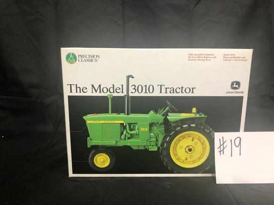 THE MODEL 3010 TRACTOR PRECISION CLASSICS 1/16 SCALE NO 15210 NIB