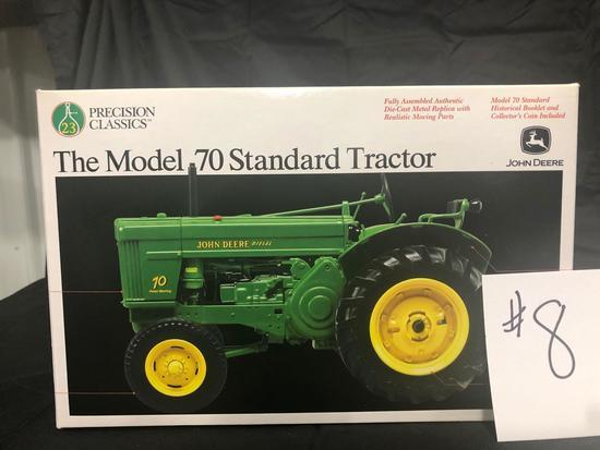 THE MODEL 70 STANDARD TRACTOR PRECISION CLASSIC 1/16 SCALE NO. 15366 NIB