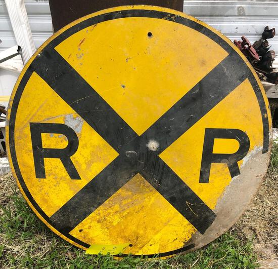 ROUND RAILROAD CROSSING METAL SIGN