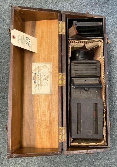 UNION PACIFIC RAILROAD SLIDE PROJECTOR WITH CASE