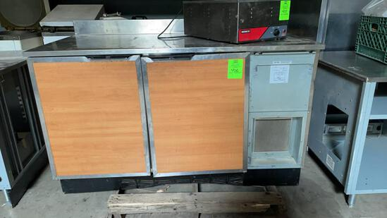 Duke 5ft refrigerated cabinet