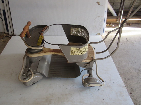 1950' S RARE CHILDS BUGGY WITH TEAR DROP FENDERS