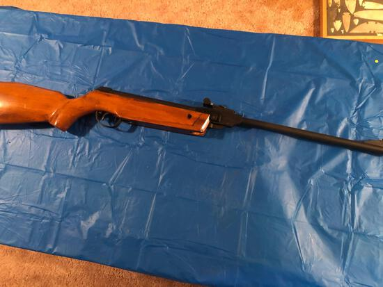 BB gun with wood stock and forearm