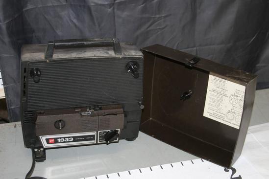 gaf 8MM Projector 150 watt Model 438-M2 Powers On