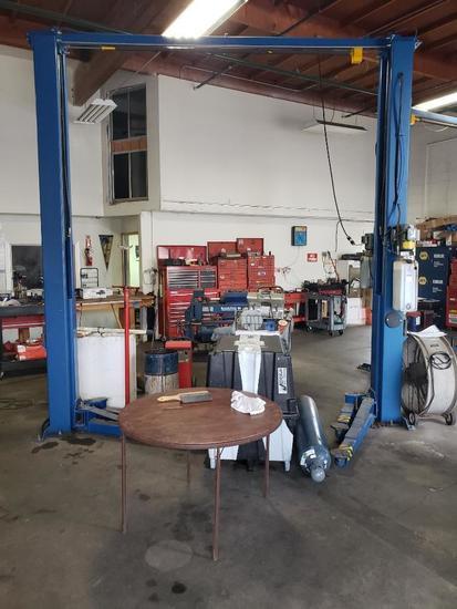 Used 2-Post 11,000 lb Car Lift Asymmetric 1 ph