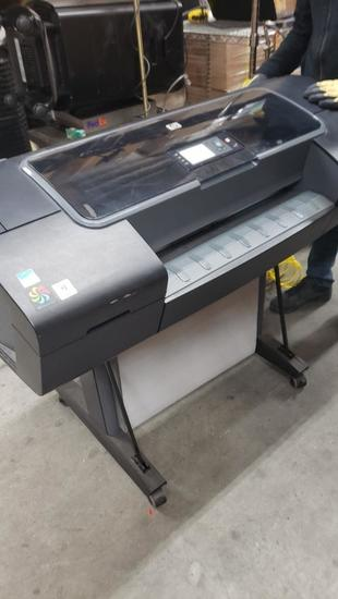 HP Z2100 DESIGNJET Photo Printer Powers on