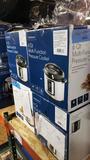 Insignia - 5.5L Digital Air Fryer - Black 12 units looks new