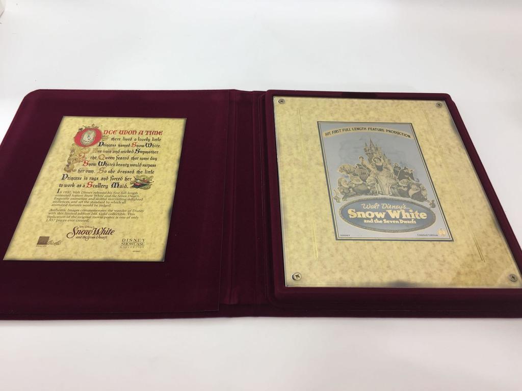 Walt Disney Snow White and Seven Dwarfs 24k Gold Gallery Piece Disney Showcase Limited Edition