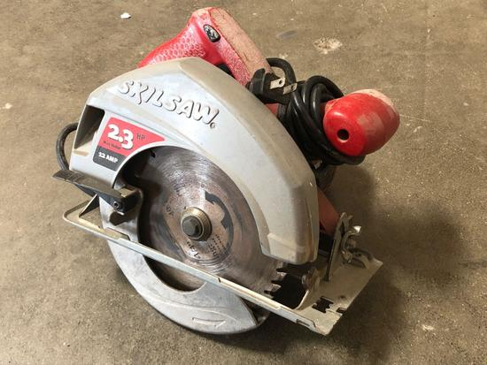 Skilsaw 5400 Powers On