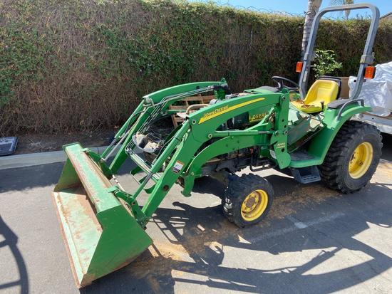 John Deere 4200 Tractor 300X Loader
