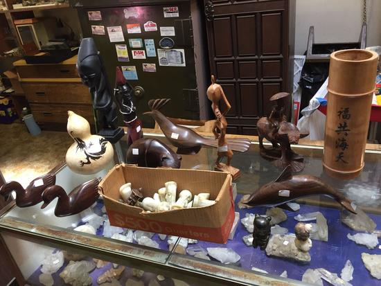 Statuettes, Figurines, Chess Pieces