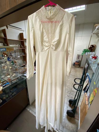 Vintage Wedding Dress, Size 11