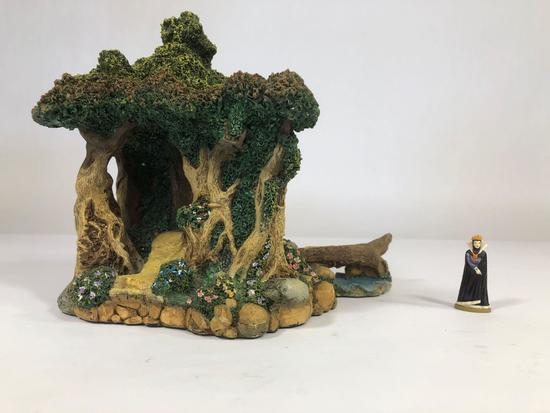 Snow White Path in the Woods Sculpture 996-D with SIGNED Witch 182-P 1992 Disney Goebel Olszewski