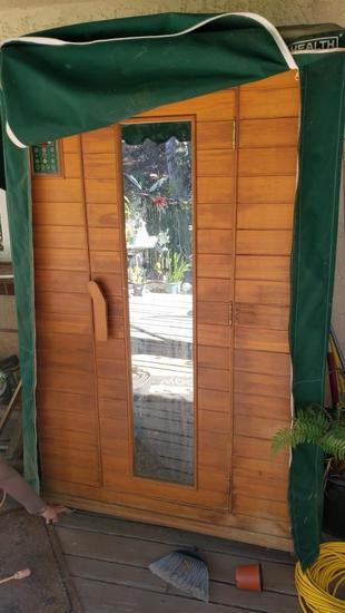 Health Mate Dry Sauna working. Powers on. 6 ft tall 3 feet deep 4 ft wide