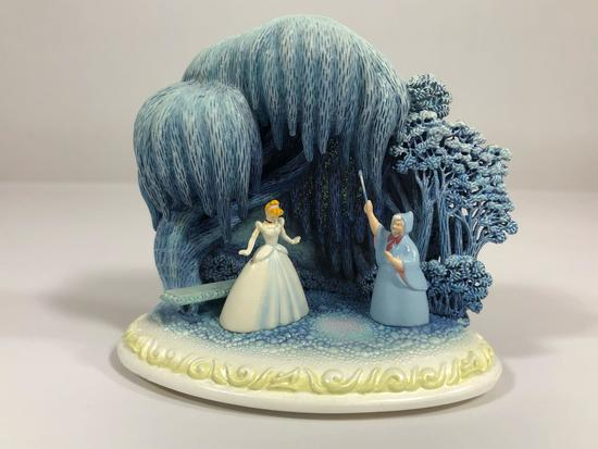 Cinderella Like a Dream Limited Edition Sculpture DC35 w/ CoA 2002 Disney Showcase Collection