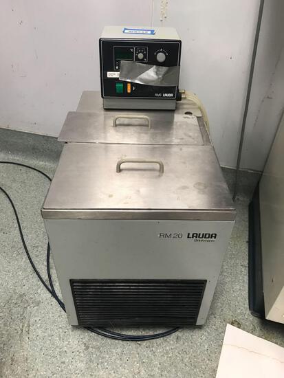 Lauda RM20 Machine