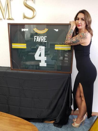 Brett Favre Signed Jersey Framed COA