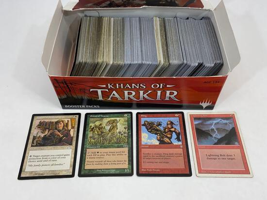 Box of 500+ MTG Magic The Gathering Trading Cards