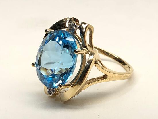 Blue Topaz 14K Gold Ring, Size 7