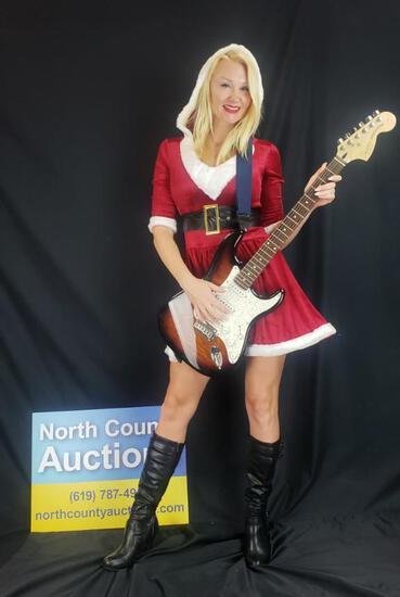 Squire Stratocaster w/ Gator Hard Case