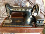 Vintage Singer Sewing Machine AB669922