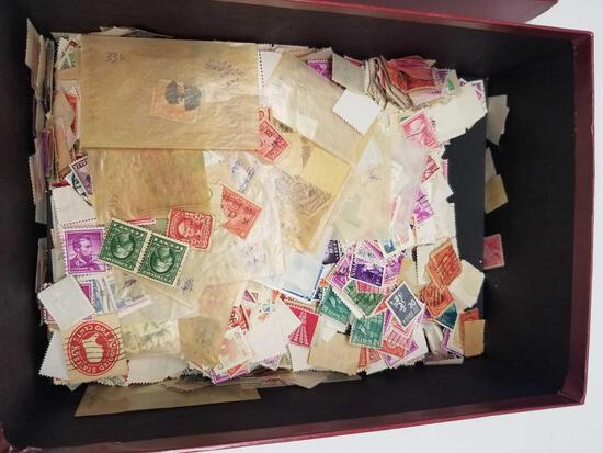 2000+ Vintage US Canada Australia Stamps