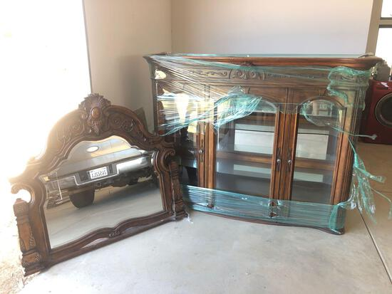 3 Piece Elegant Hutch