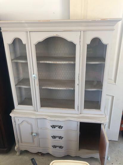 White Dresser/Hutch