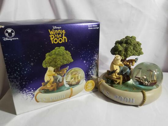 Disney Winnie The Pooh Snow Globe in Box