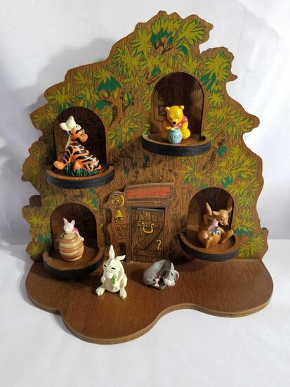 Disney Winnie the Pooh Thimble Collection In Cottage