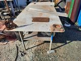 Work Bench w/ Rigid No 21 Yoke Pipe Vise, yrd
