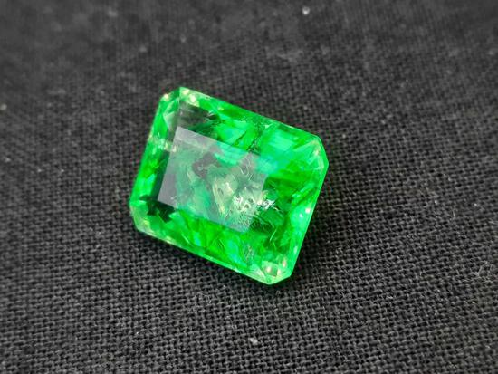 Emerald Genuine Natural Huge Deep Green Columbia 9.20cts wow Cut GGL Gem Stone Card