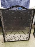 Metal fireplace screen